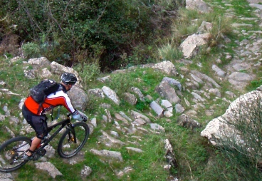 Riding 'The Elephants Tail' in the Spanish Sierra Nevadas...