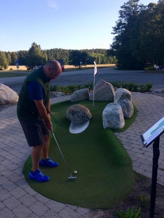 Strangely addicted to mini golf...